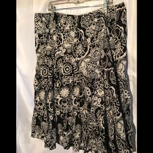 Dresses & Skirts - Women's black and white cotton skirt 22W
